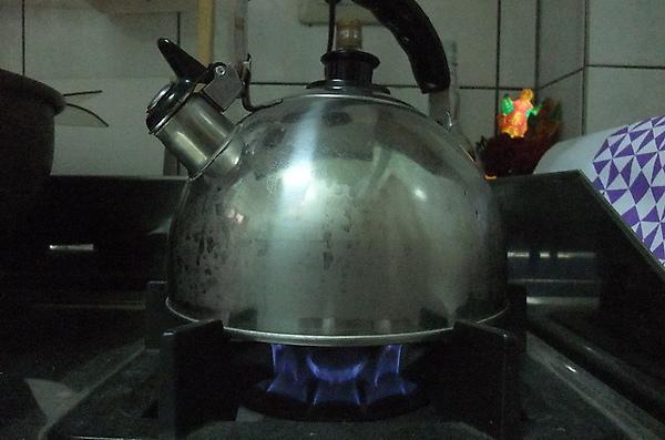 瓦斯爐煮沸中.JPG