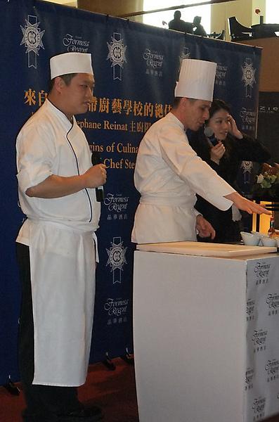 20100324 15沙拉麵包示範.JPG