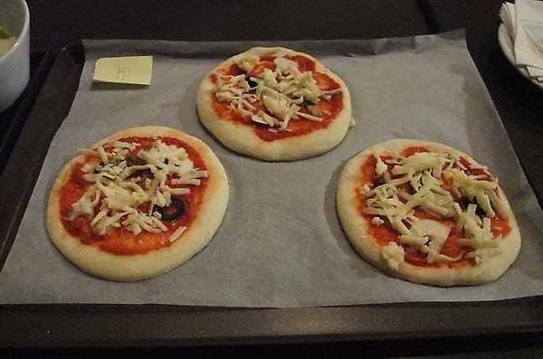 20100324 26自己裝飾的pizza.JPG