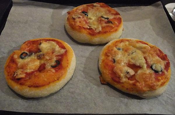 20100324 27烤好的pizza.JPG