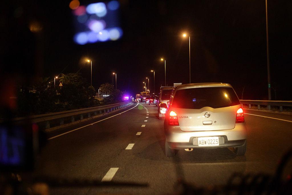 準備回去了, 墾丁路上,沿路都有警察臨檢, 車況有點壅擠