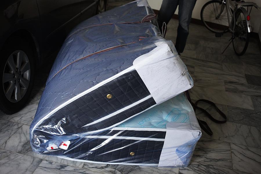 床墊非常貴且非常重 還是最大呎吋der耶(6X7呎)