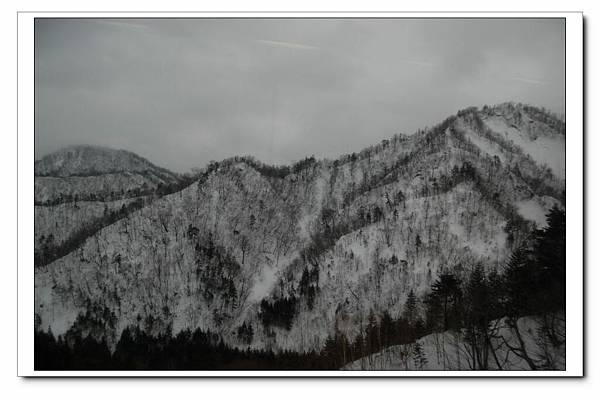 山區下雪囉~.JPG