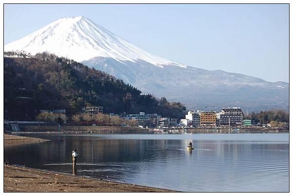河口湖下富士山2.JPG
