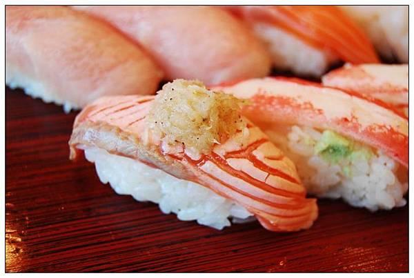 築地玉壽司炙鮭魚.jpg