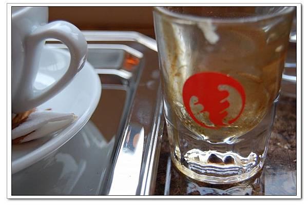 三葉蟲 logo杯.JPG