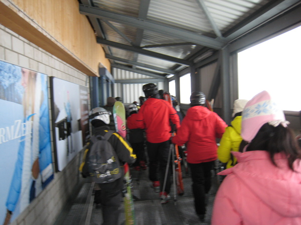 上鉄力士山, 好多人去滑雪哦