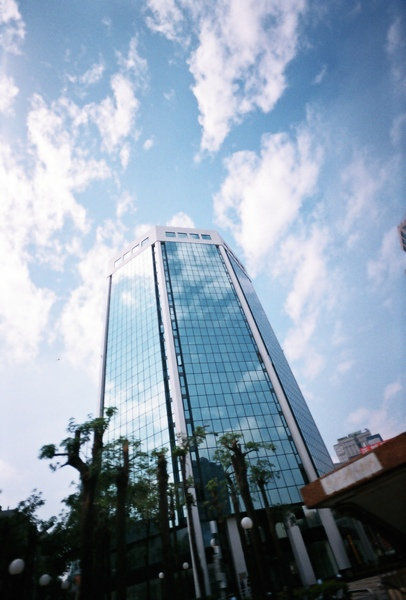 中港路上的大樓