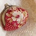 9.{ 紅玫瑰。口金包 } 。(4片式拼接)口金夾 7cm