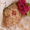 17.[ 紅玫瑰。口金包 ]  (兩片拼接)口金夾寬 8cm