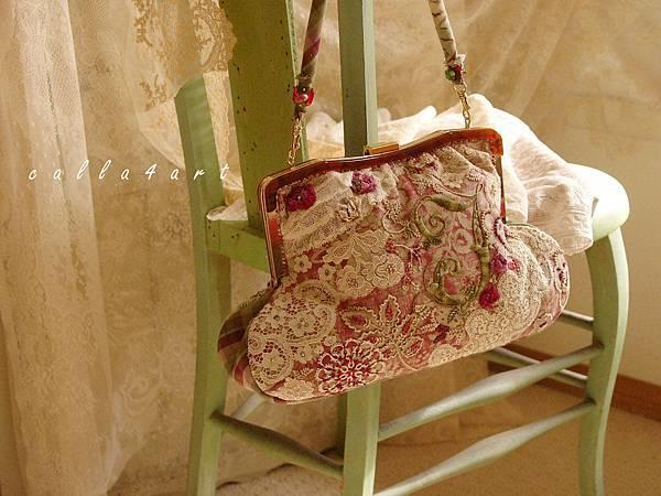 38.{ 紅綠古典鬥彩。口金包 } Calla's Handbag