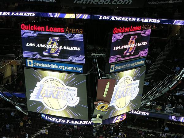140205_NBA Lakers beat Cavaliers