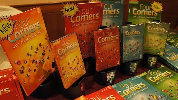 Four Corners 全新教材 教學配件超齊全