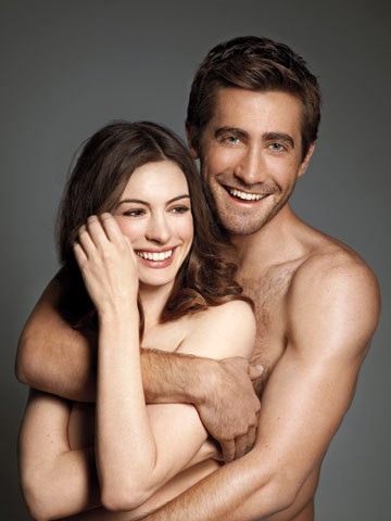 EW-Photoshoot-anne-hathaway-and-jake-gyllenhaal-18063897-360-480