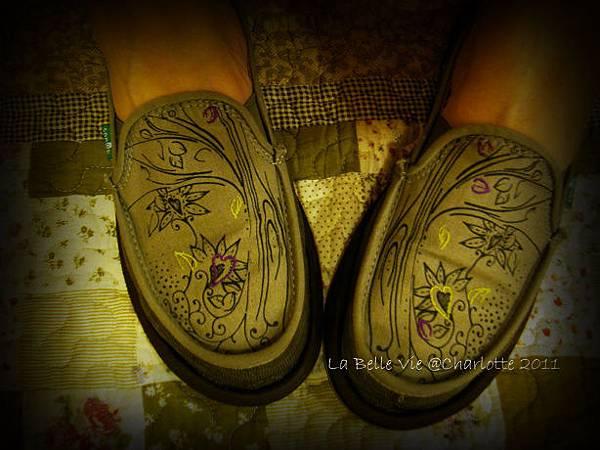 La Belle Vie- 110502Oh my Sanuk shoes 002.jpg