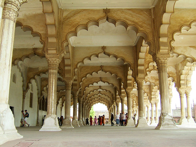 798px-Agra-Fort-Diwan-i-Am-Hall-of-Public-Audience-Apr-2004-03.jpg