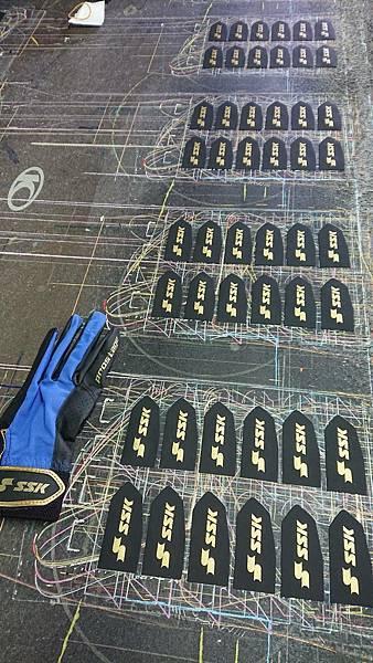 網版印刷 - 打擊手套
