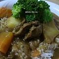洋蔥甘筍咖哩牛肉