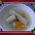 [ 港式煲湯 ] 牛蒡甘筍雞骨湯