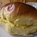 豐盛的早餐~冰火牛油餐包+毛豆玉米沙拉+香濃咖啡