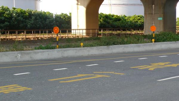 左側車道縮減