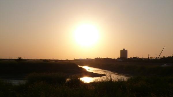 即使東北季風吹走了狂熱,太陽還是把溫暖給了我們