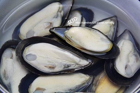 青醬香蒜烤淡菜 (1)