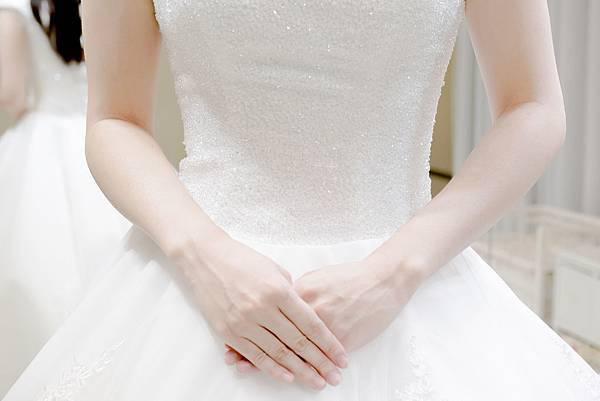 婚紗工作室:租禮服(白紗篇) (5).jpg