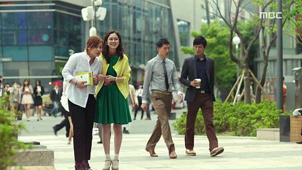 20-Fated-to-Love-You-Episode-1-Review-Korean-Drama-Fashion-Jang-Na-Ra.jpg