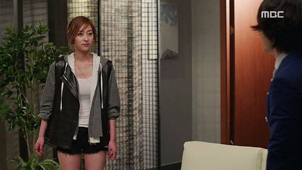 15-Fated-to-Love-You-Episode-1-Review-Korean-Drama-Fashion-Wang-Ji-Won.jpg