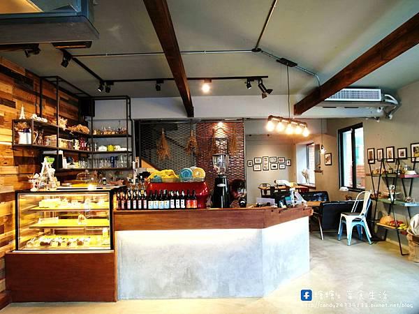 1473905617 4121646714 n - Heynuts Café 好堅果咖啡 精誠巷弄中超人氣咖啡館~沒有提前預約還吃不到!!推薦早安堅果!使用糖糖最愛的丹麥土司,切開還會牽絲呢~