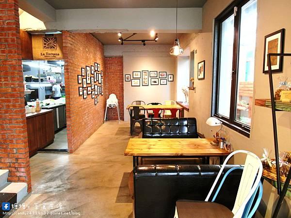 1473905617 649978513 n - Heynuts Café 好堅果咖啡 精誠巷弄中超人氣咖啡館~沒有提前預約還吃不到!!推薦早安堅果!使用糖糖最愛的丹麥土司,切開還會牽絲呢~