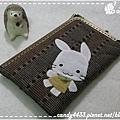 微笑女孩與兔兔的遊樂時光L型口金手機包2