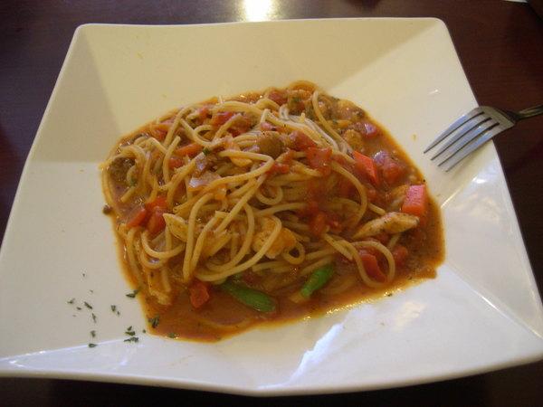235巷義大利麵 - 茄汁香草雞肉麵