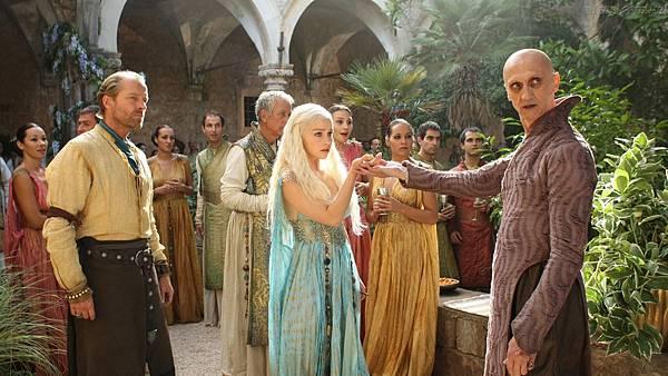 286575_Papel-de-Parede-Daenerys-Targaryan-em-Qarth-Game-of-Thrones_1920x1080.jpg