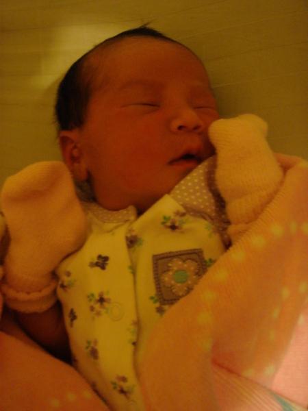 剛出生第二天