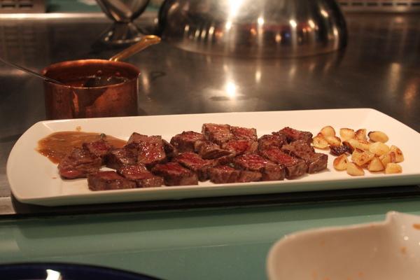 香蒜牛小排(7分熟~口感軟硬適中~味道鮮甜)