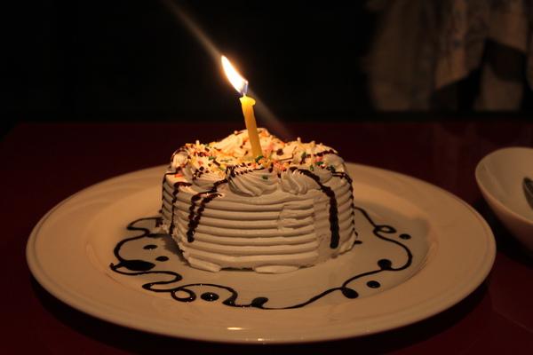夏慕尼贈生日蛋糕