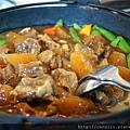 食岩燒-紅酒牛腩