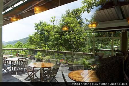 藏酒山林咖啡戶外觀景台.jpg