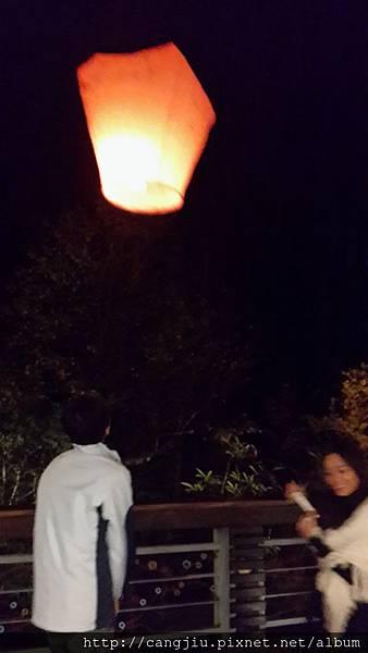 2013年耶誕夜祈福天燈 (8).jpg