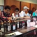 國際媒體團藏酒參訪 (1).jpg