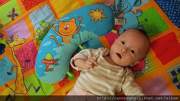 baby joy遊戲毯.JPG