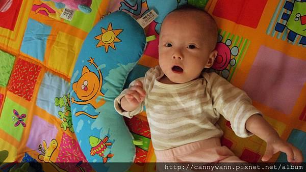 baby joy遊戲毯 (1).JPG