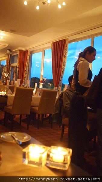 萊茵河古堡旅館內~情調晚餐