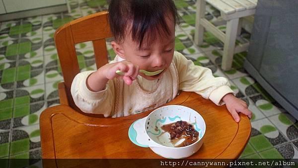 雪莉愛吃八寶粥 (1)
