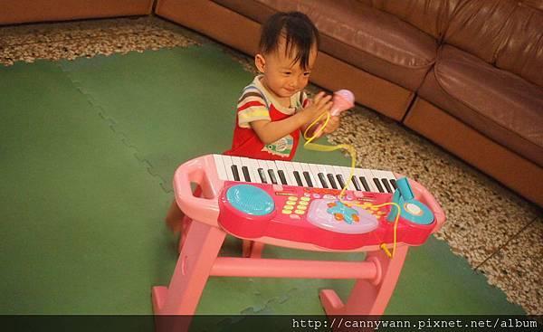 雪莉的電子琴 (2)