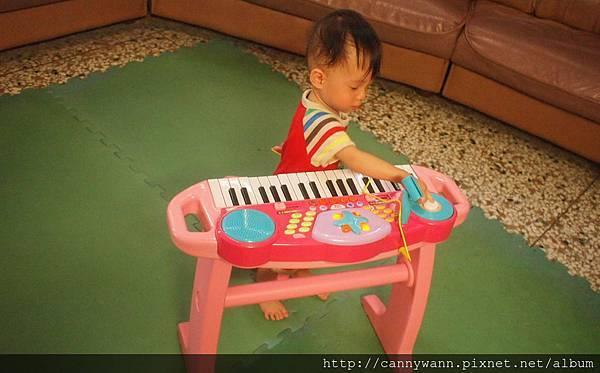 雪莉的電子琴 (3)