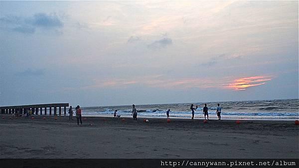 大安海水浴場~2013秋天的夕陽&風吹沙 (12)