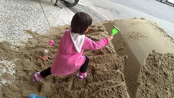雪莉玩沙~3y (5)